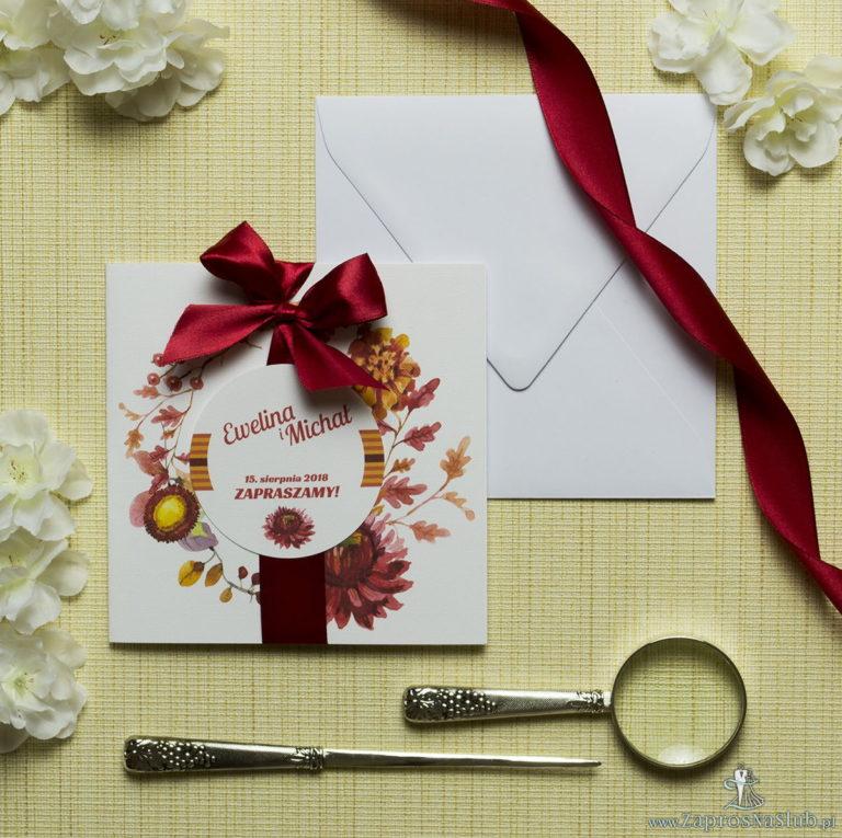 Zaproszenia kwiatowe – jesienny wianek z kwiatami, liśćmi dębu oraz jarzębiną. ZAP-54-02 - ZaprosNaSlub
