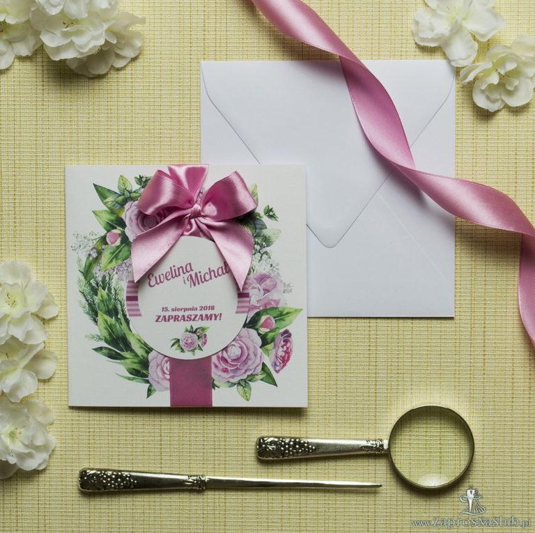 Zaproszenia kwiatowe – wianek z zielonymi liśćmi i kwiatami piwonii. ZAP-54-03 - ZaprosNaSlub