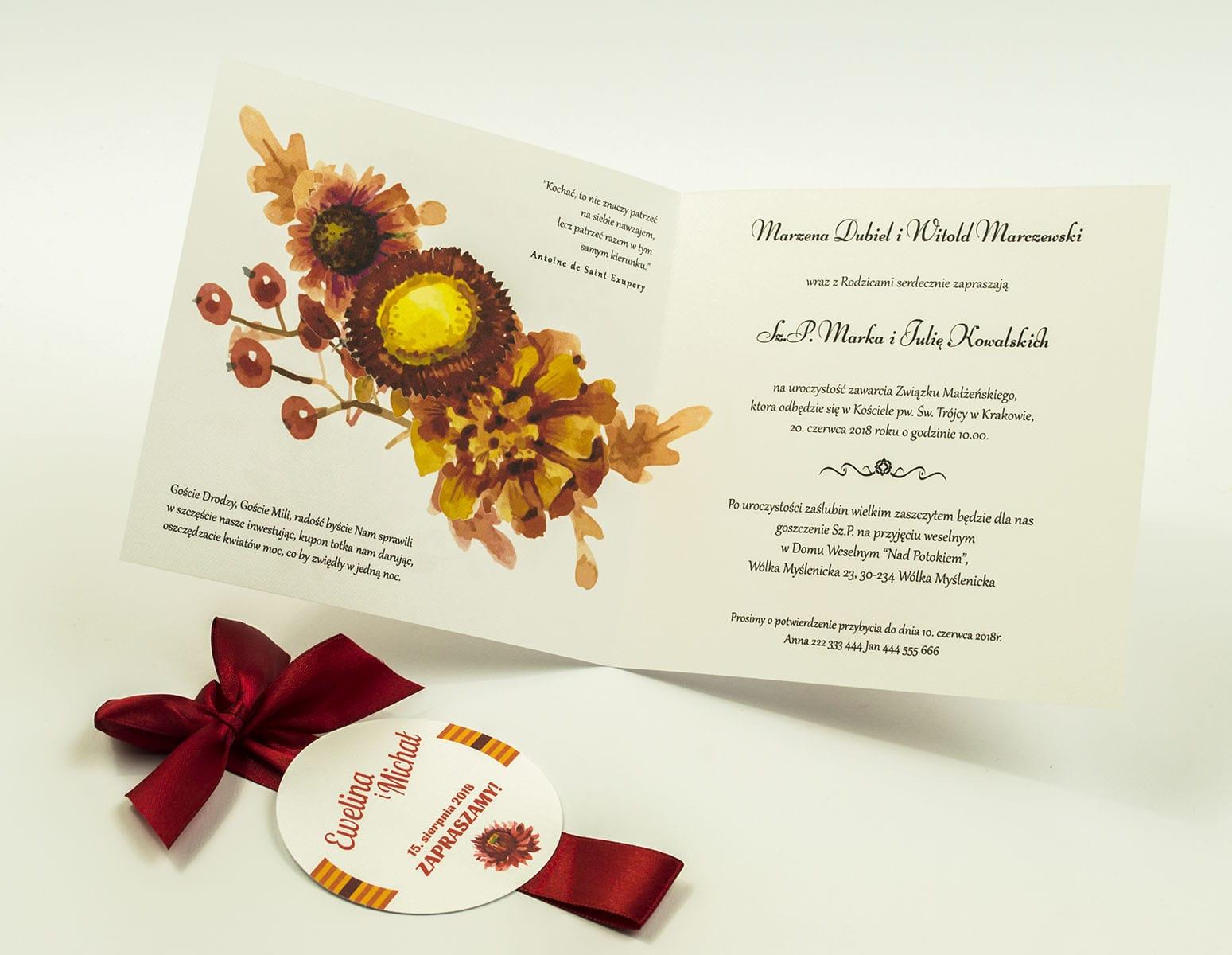 Zaproszenia kwiatowe - jesienny wianek z kwiatami, liśćmi dębu oraz jarzębiną. ZAP-54-02