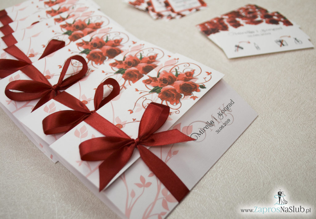 Unikatowe zaproszenia ślubne z kwiatami. Czerwone róże i wstążka w bordowym kolorze. ZAP-93-06 (4)