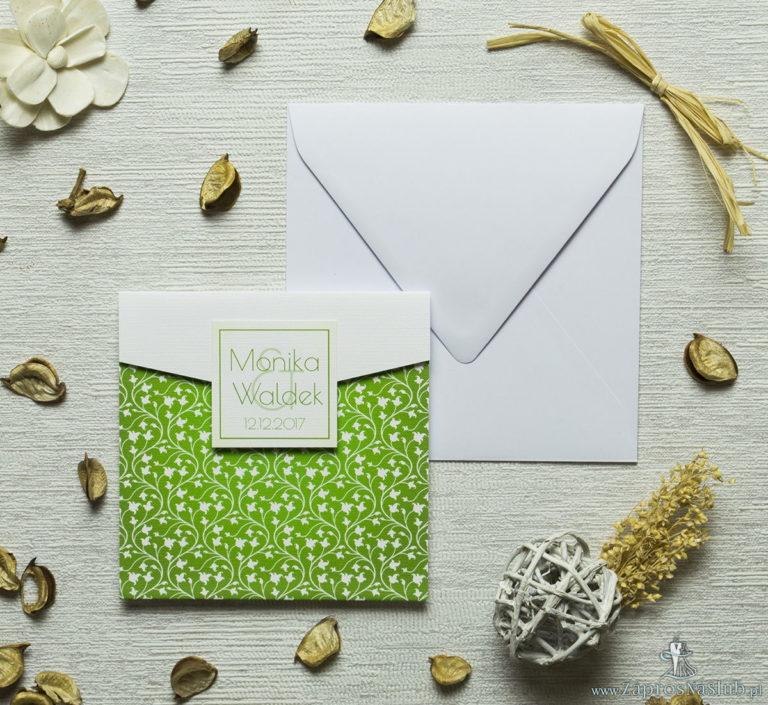 Zaproszenia z zielono-białym motywem roślinnym w kształcie koperty. ZAP-15-05 - ZaprosNaSlub