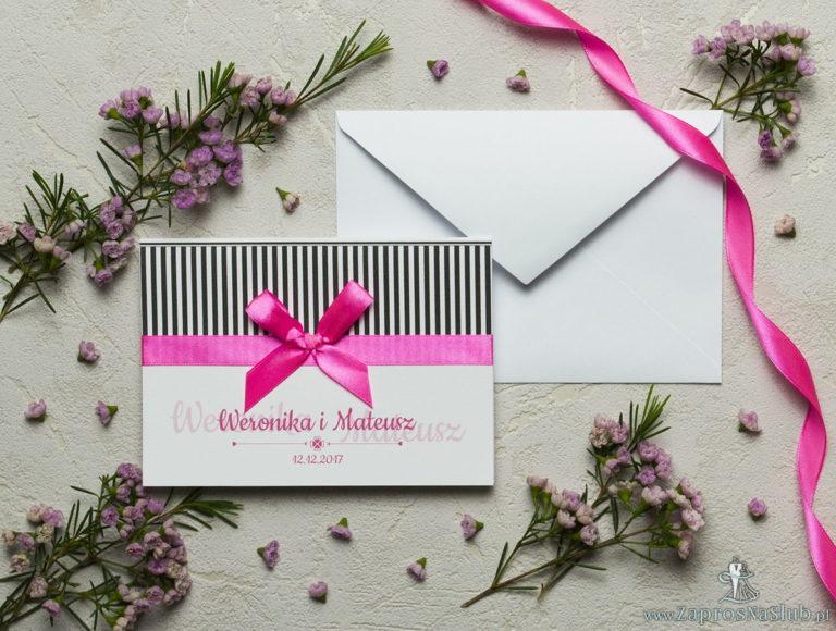 ZaprosNaSlub - Zaproszenia ślubne, personalizowane, boho, rustykalne, kwiatowe księga gości, zawieszki na alkohol, winietki, koperty, plany stołów - Zaproszenia z czarno-białymi paskami, satynową wstążką oraz kokardką. ZAP-17-06