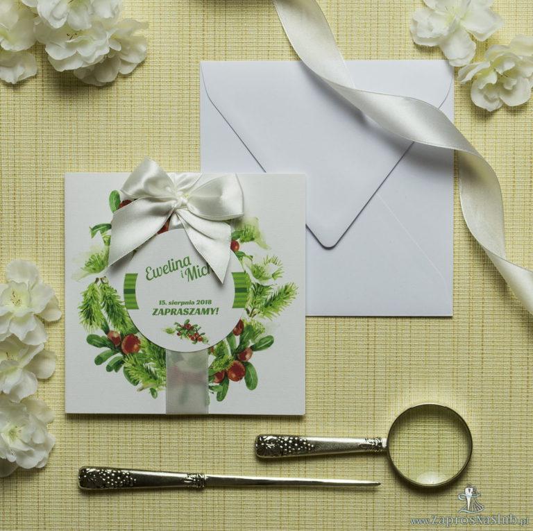 Zaproszenia kwiatowe – zimowy wianek z bukszpanem, igłami świerku oraz białymi kwiatami. ZAP-54-05 - ZaprosNaSlub