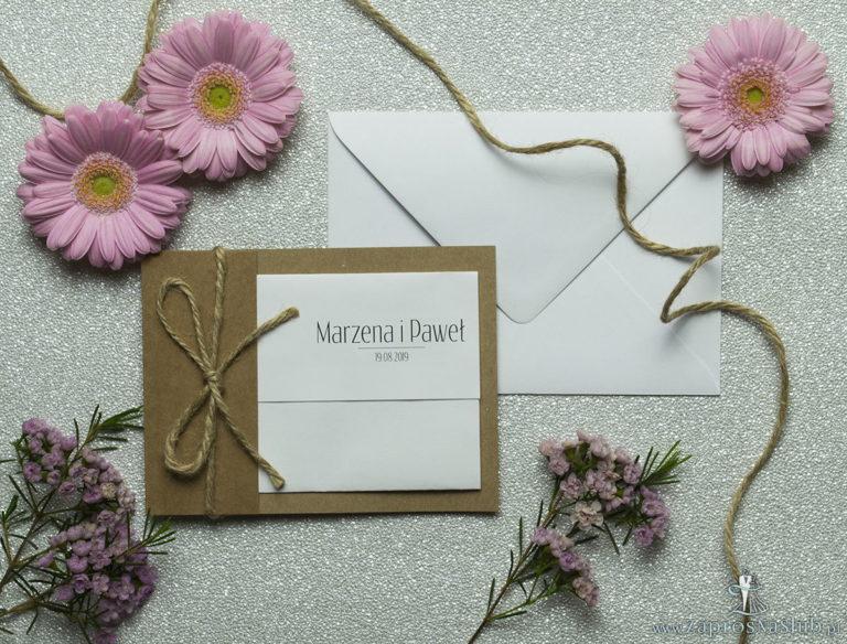 Ciekawe w formie eleganckie zaproszenia ślubne z wkładanym wnętrzem, sznurkiem jutowym oraz okładką z papieru ekologicznego. ZAP-73-77 - ZaprosNaSlub
