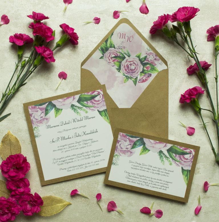Dwuczęściowe, kwiatowe zaproszenia ślubne w stylu eko, z zielonymi liśćmi i kwiatami piwonii. ZAP-76-03 - ZaprosNaSlub