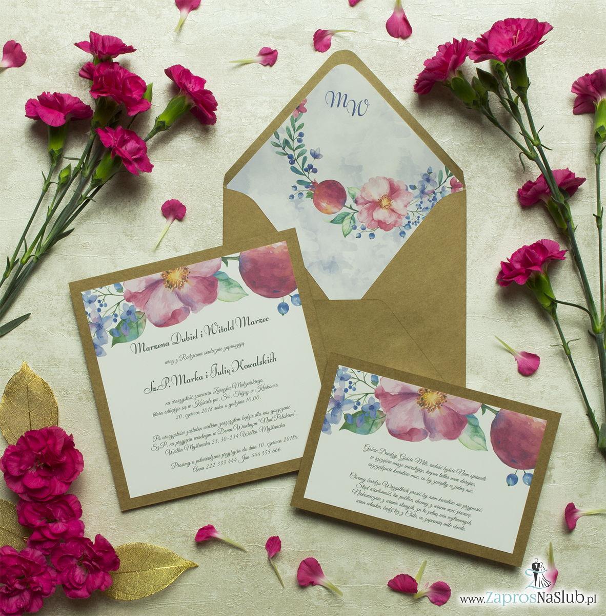 Dwuczęściowe, kwiatowe zaproszenia ślubne w stylu eko, z różówymi i fioletowymi kwiatami oraz jagódkami. ZAP-76-12