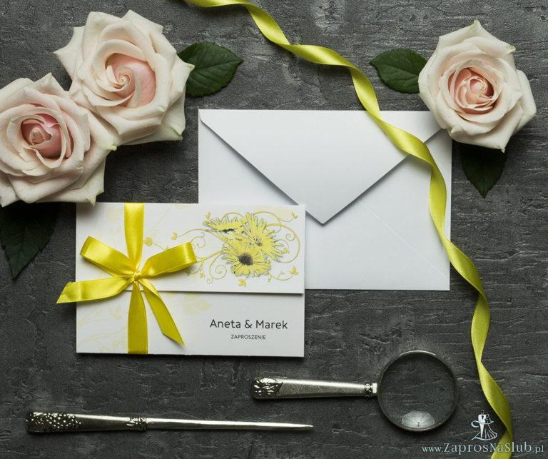 Unikatowe zaproszenia ślubne z kwiatami. Słoneczniki i wstążka w żółtym kolorze. ZAP-93-19 - ZaprosNaSlub