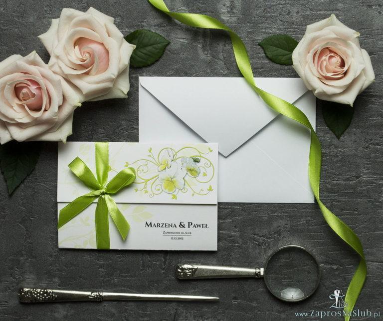 ZaprosNaSlub - Zaproszenia ślubne, personalizowane, boho, rustykalne, kwiatowe księga gości, zawieszki na alkohol, winietki, koperty, plany stołów - Unikatowe zaproszenia ślubne z kwiatami. Bratki i wstążka w zielonym kolorze. ZAP-93-20