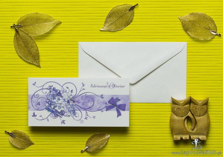 Nietuzinkowe kwiatowe zaproszenia ślubne z fioletowymi kwiatami polnymi i motywem ozdobnym. ZAP-94-17 - ZaprosNaSlub
