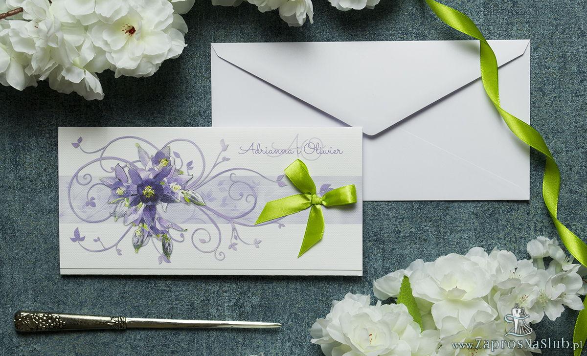 Składane na trzy części kwiatowe zaproszenia ślubne w formacie DL. Fioletowo-zielone kwiaty, pistacjowa kokardka i interesujący motyw ozdobny. ZAP-95-04