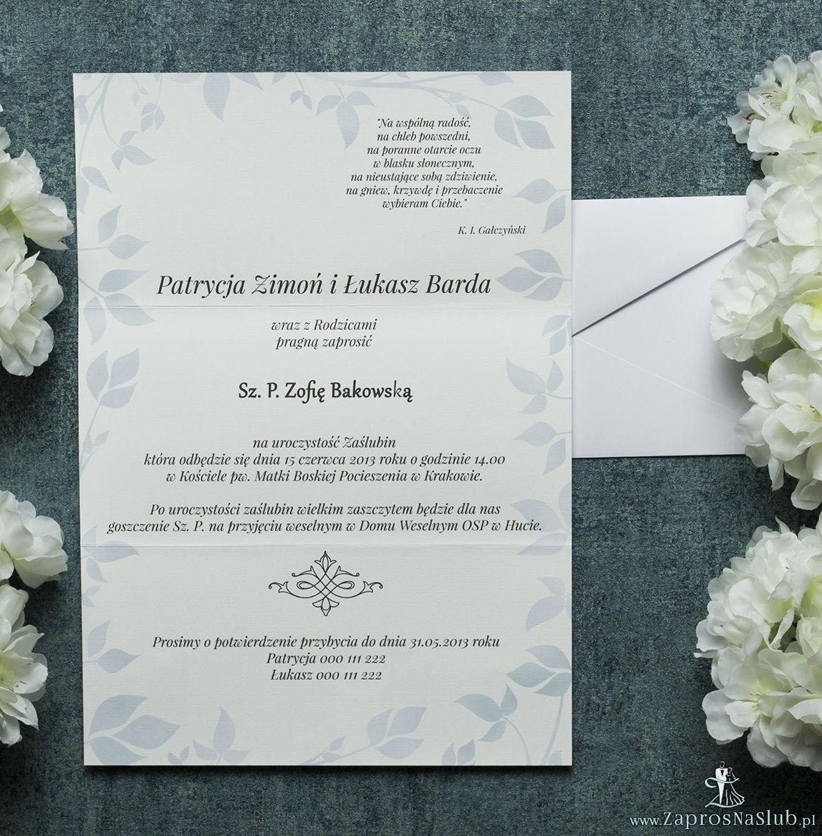 Składane na trzy części kwiatowe zaproszenia ślubne w formacie DL. Kwiaty - chabry (bławatki), ciemnoniebieska kokardka i interesujący motyw ozdobny. ZAP-95-08