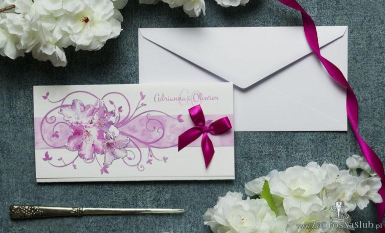 Składane na trzy części kwiatowe zaproszenia ślubne w formacie DL. Kwiaty – rododendron (różanecznik, azalia), intensywna – malinowa kokardka i interesujący motyw ozdobny. ZAP-95-13 - ZaprosNaSlub