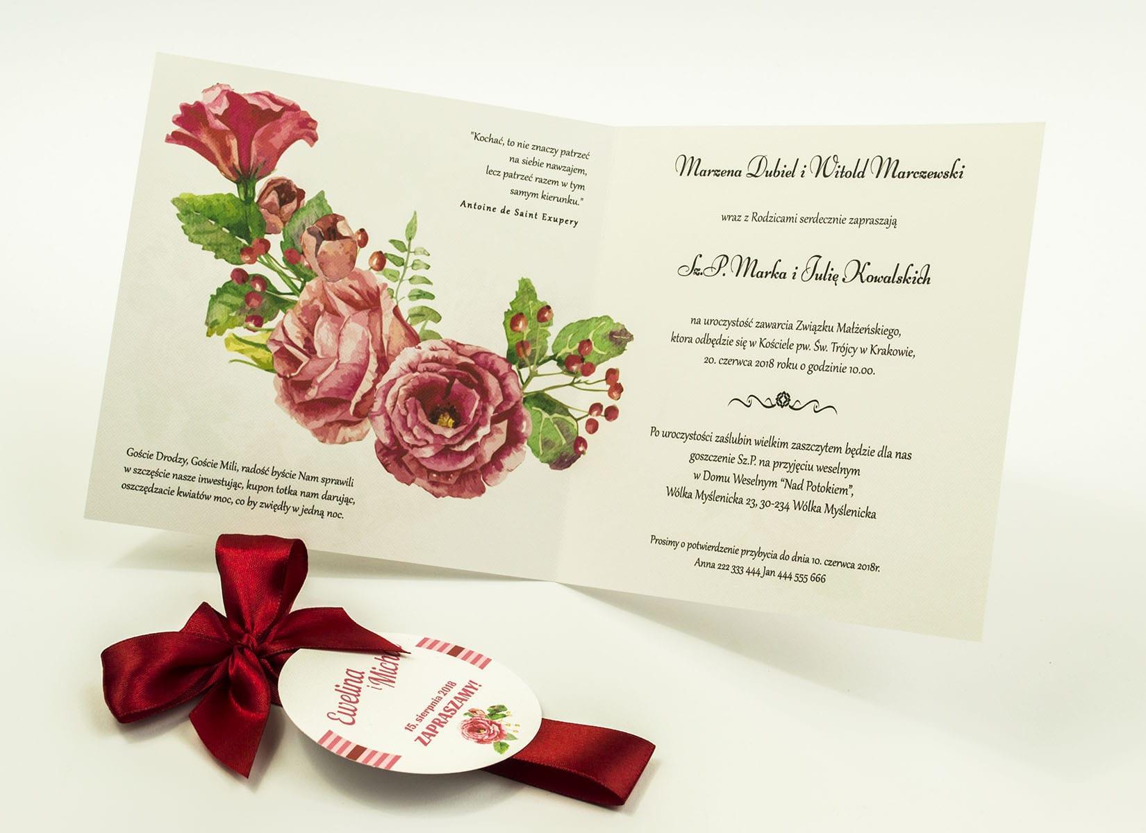 Zaproszenia kwiatowe - letni wianek z kwiatami róż, zielonymi liśćmi oraz jagódkami. ZAP-54-06