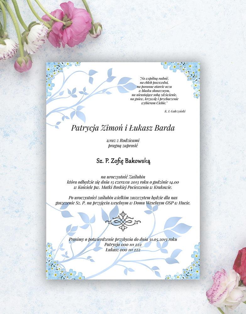 Nietuzinkowe kwiatowe zaproszenia ślubne z niezapominajkami i motywem ozdobnym. ZAP-94-05