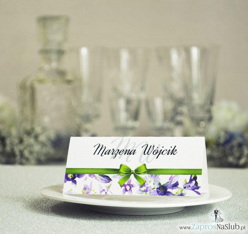 WIN-104 Kwiatowe winietki ślubne - składane na pół winietki z fioletowo zielonymi kwiatami oraz malowaną, poziomą wstążką - zaproszenia na ślub zaproszenie ślubne