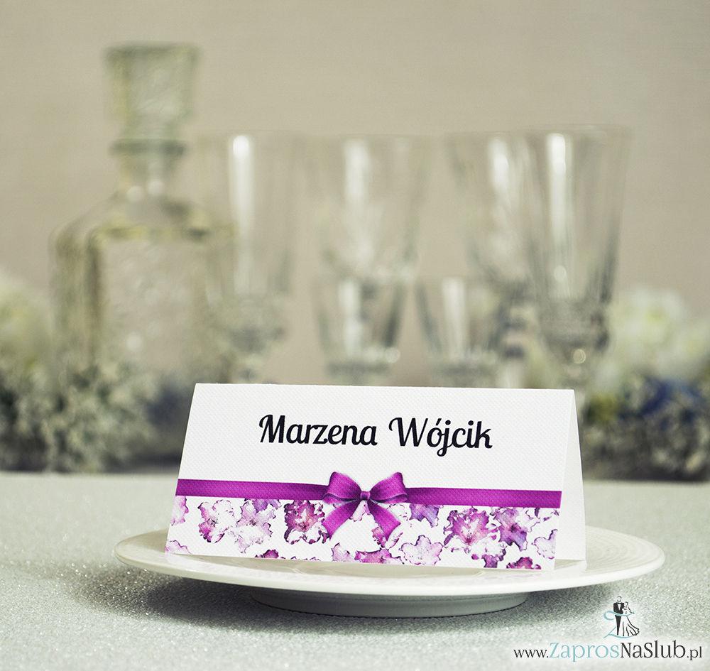 WIN-113 Kwiatowe winietki ślubne - składane na pół. Kwiaty rododendronu, różanecznika z malowaną, poziomą wstążką - zaproszenia na ślub zaproszenie ślubne