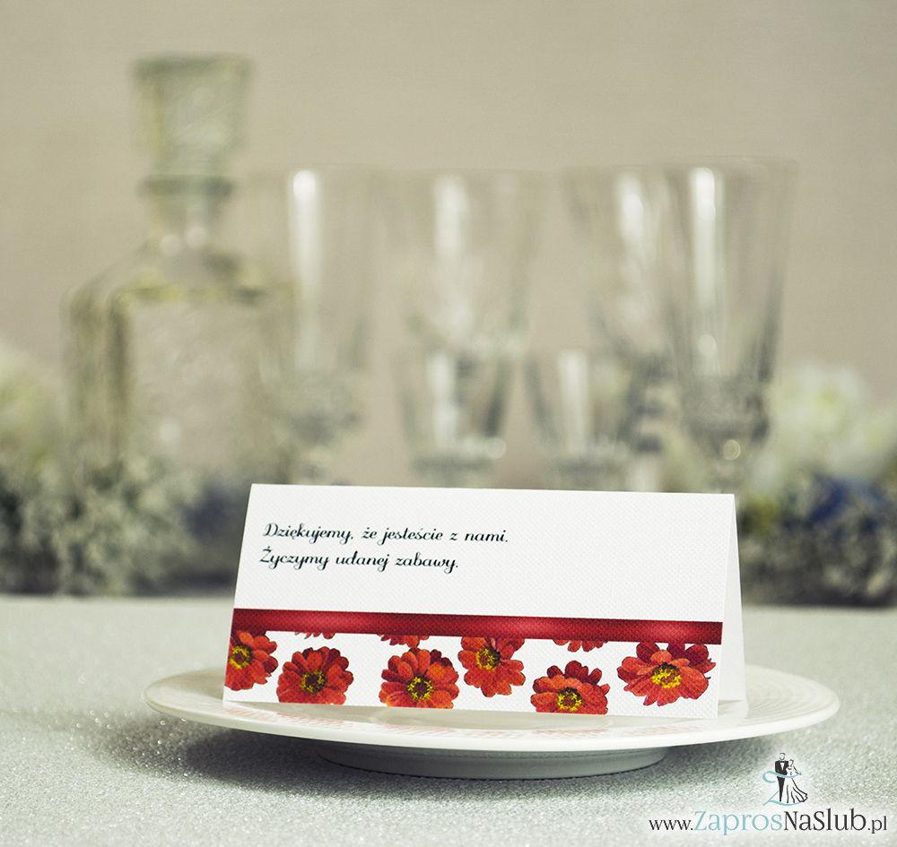 Kwiatowe winietki ślubne - składane na pół. Kwiaty gerbera z malowaną, poziomą wstążką