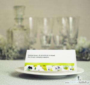 Kwiatowe winietki ślubne - składane na pół. Kwiaty bratki z malowaną, poziomą wstążką