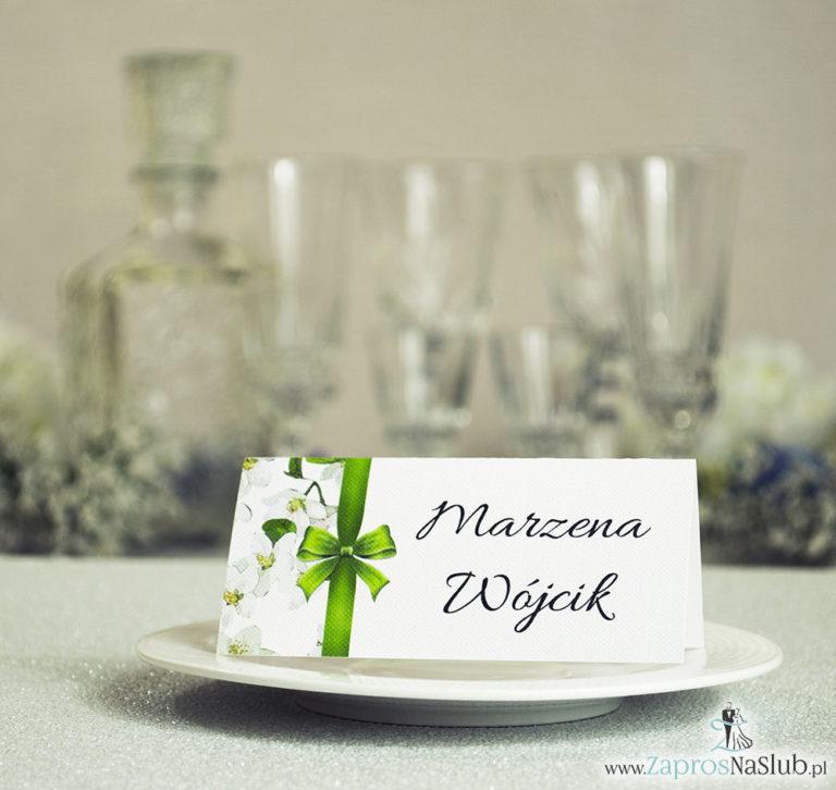 Kwiatowe winietki ślubne – składane na pół winietki z kwiatami jabłoni oraz malowaną, pionową wstążką - ZaprosNaSlub
