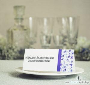 WIN-202 Kwiatowe winietki ślubne - składane na pół winietki. Fioletowe kwiaty dzwonki z malowaną, pionową wstążką - zaproszenia na ślub zaproszenie ślubne rew