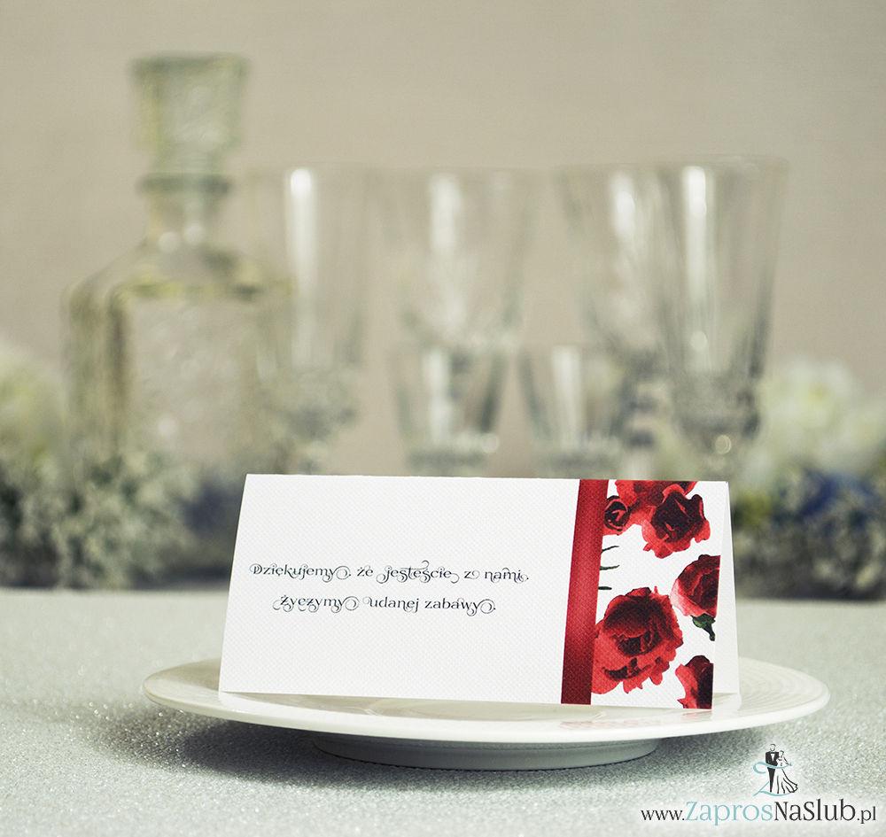 Kwiatowe winietki ślubne - składane na pół winietki. Czerwone róże z malowaną, pionową wstążką