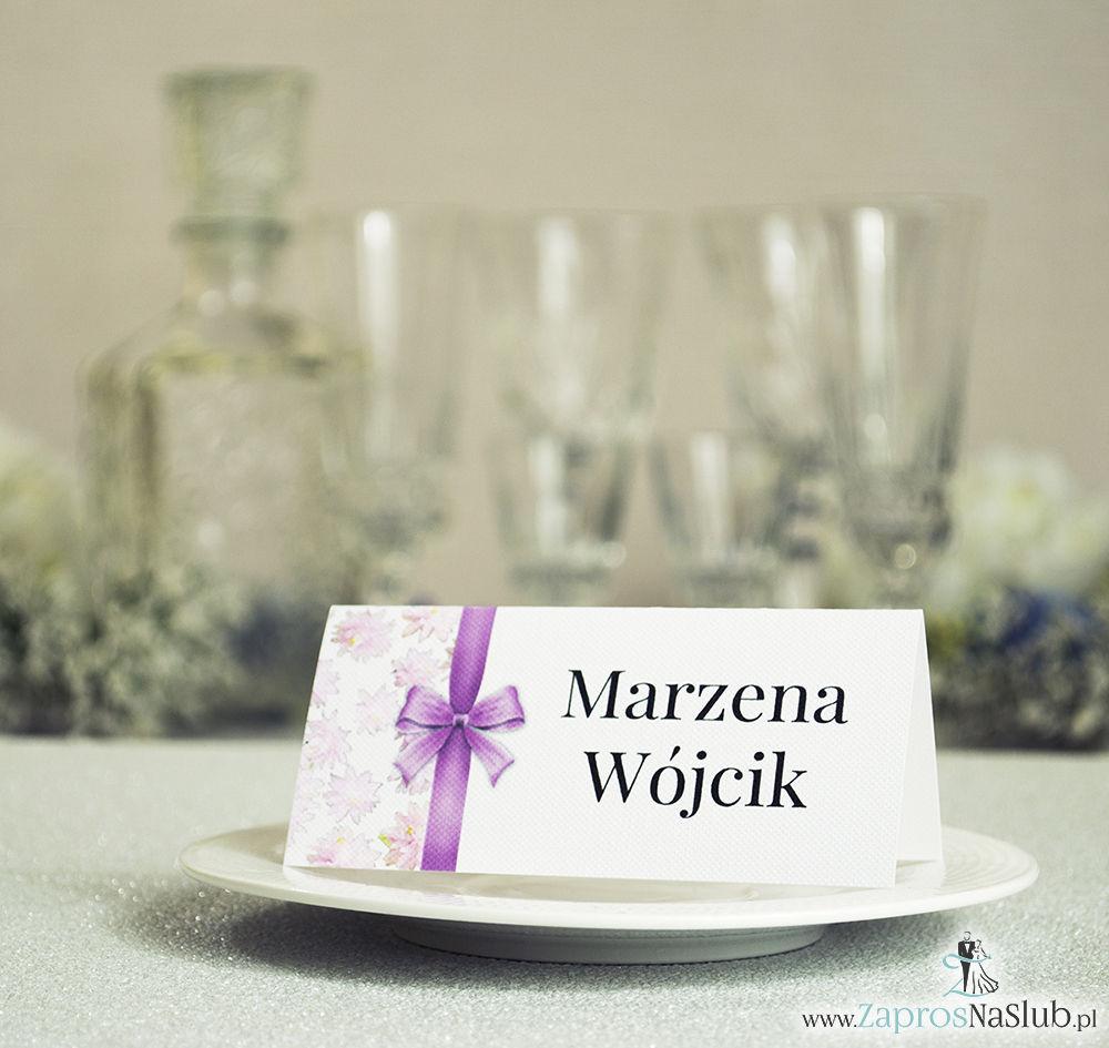 WIN-209 Kwiatowe winietki ślubne - składane na pół winietki. Różowe kwiaty z malowaną, pionową wstążką - zaproszenia na ślub zaproszenie ślubne