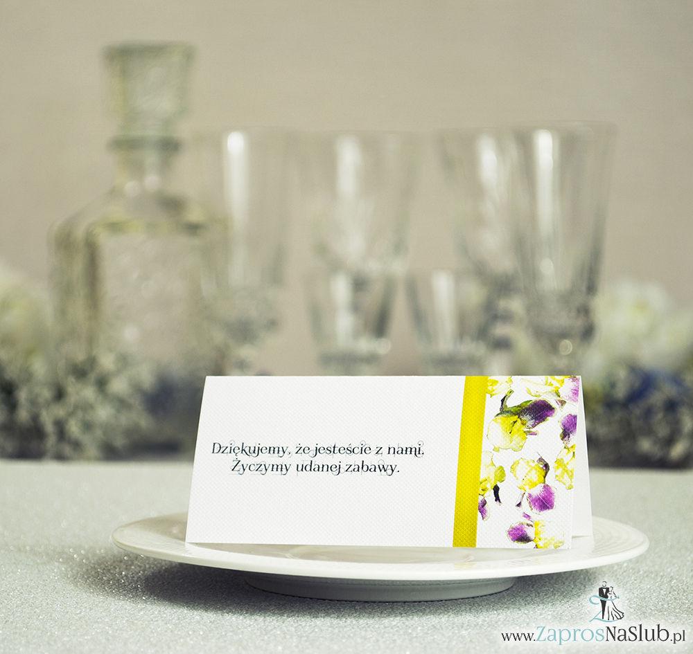 Kwiatowe winietki ślubne - składane na pół winietki. Żółto fioletowe irysy z malowaną, pionową wstążką