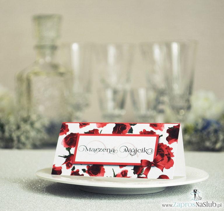 ZaprosNaSlub - Zaproszenia ślubne, personalizowane, boho, rustykalne, kwiatowe księga gości, zawieszki na alkohol, winietki, koperty, plany stołów - Kwiatowe winietki ślubne – składane na pół winietki różami, prostokątem oraz malowaną kokardką