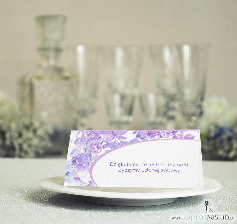 WIN-321 Kwiatowe winietki ślubne - składane na pół winietki z kwiatami bzu, prostokątem oraz malowaną kokardką - Zaproszenia ślubne - na ślub rew