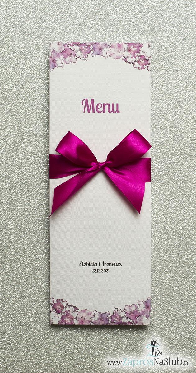 Kwiatowe menu weselne – składane na pół menu z kwiatami rododendronu oraz malinową wstążką - ZaprosNaSlub