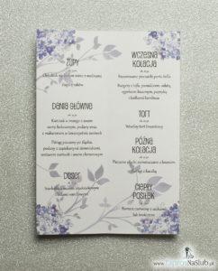 Kwiatowe menu weselne - składane na pół menu z polnymi kwiatami oraz ciemnofioletową wstążką