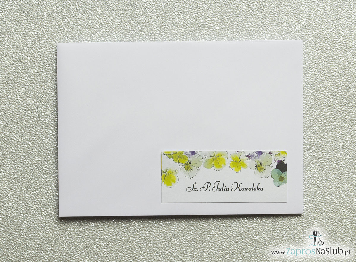 Kwiatowe naklejki na koperty - personalizacja kopert naklejką z kwiatami bratków