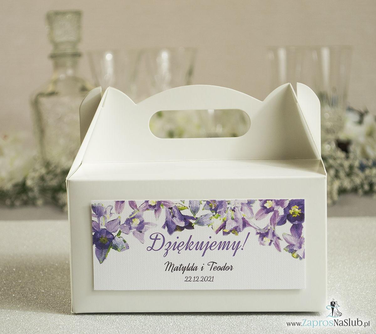 Kwiatowe pudełka na ciasta - podziękowania dla gości w formie pudełek na ciasto z motywem fioletowo-zielonych kwiatów
