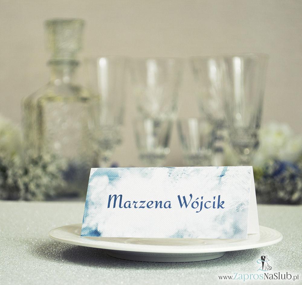 Zimowe winietki ślubne z biało-szaro-srebrnymi płatkami śniegu