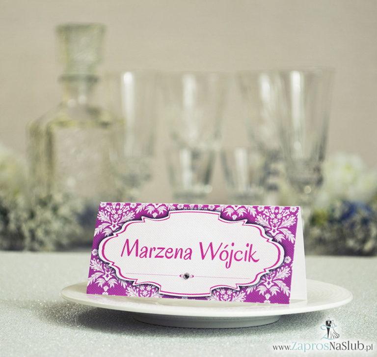 ZaprosNaSlub - Zaproszenia ślubne, personalizowane, boho, rustykalne, kwiatowe księga gości, zawieszki na alkohol, winietki, koperty, plany stołów - Eleganckie winietki ślubne z różowo-białym ornamentem i cyrkonią