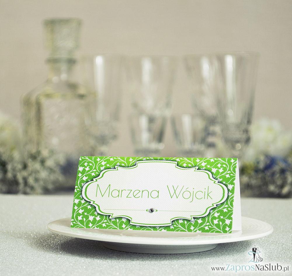 Eleganckie winietki ślubne z zielono-białym wzorem roślinnym i cyrkonią