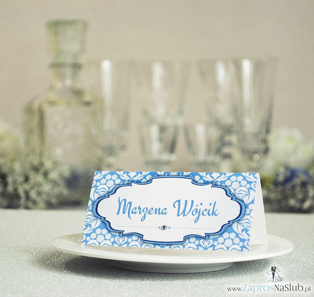 Eleganckie winietki ślubne z błękitno-białym florystycznym ornamentem i cyrkonią