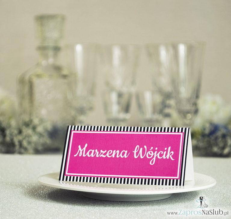 ZaprosNaSlub - Zaproszenia ślubne, personalizowane, boho, rustykalne, kwiatowe księga gości, zawieszki na alkohol, winietki, koperty, plany stołów - Eleganckie winietki ślubne z czarno-białymi paskami, umieszczonym pod naklejonym motywem tekstowym