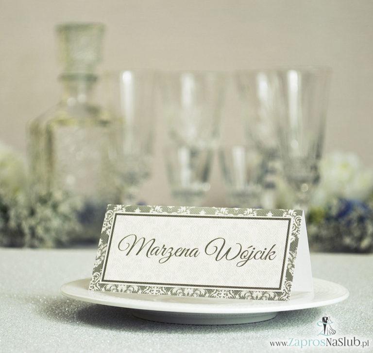 Eleganckie winietki ślubne z brązowo-kremowym ornamentem, umieszczonym pod naklejonym motywem tekstowym - ZaprosNaSlub