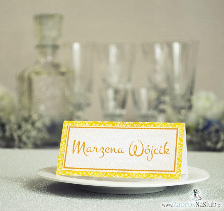Eleganckie winietki ślubne z żółto-białym ornamentem, umieszczonym pod naklejonym motywem tekstowym - ZaprosNaSlub