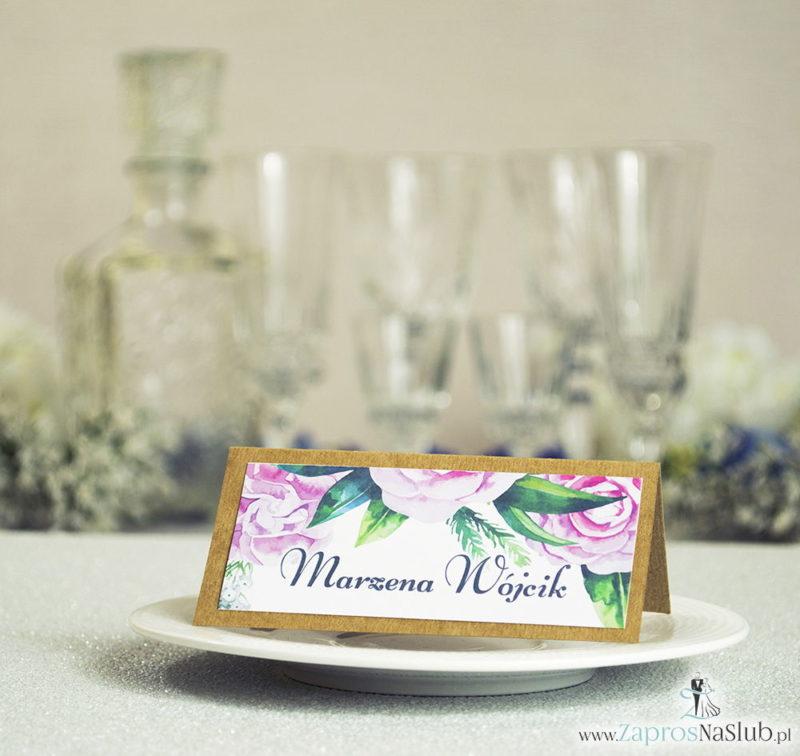 WIN-2703 Kwiatowe winietki ślubne eko - składane na pół winietki z zielonymi liśćmi i kwiatami piwonii - Zaproszenia ślubne na ślub