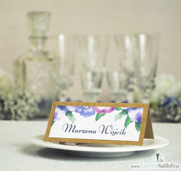 Kwiatowe winietki ślubne eko – składane na pół winietki z kwiatami bratków w dwóch kolorach - ZaprosNaSlub