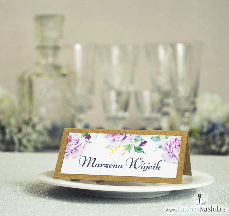 Kwiatowe winietki ślubne eko – składane na pół winietki z kwiatami oraz pąkami jasnoróżowych róż - ZaprosNaSlub