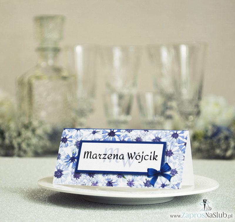 WIN-308 Kwiatowe winietki ślubne - składane na pół winietki z kwiatami chabrów, prostokątem oraz malowaną kokardką - Zaproszenia ślubne na ślub