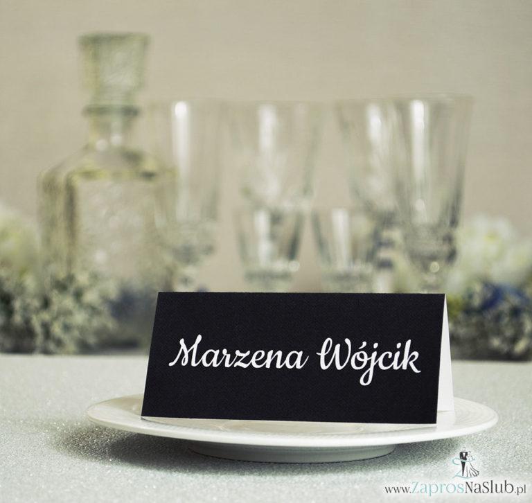 Czarno-białe winietki ślubne - składane na pół winietki pasujące do czarno-białych zaproszeń ślubnych z motywem zaręczynowym v3