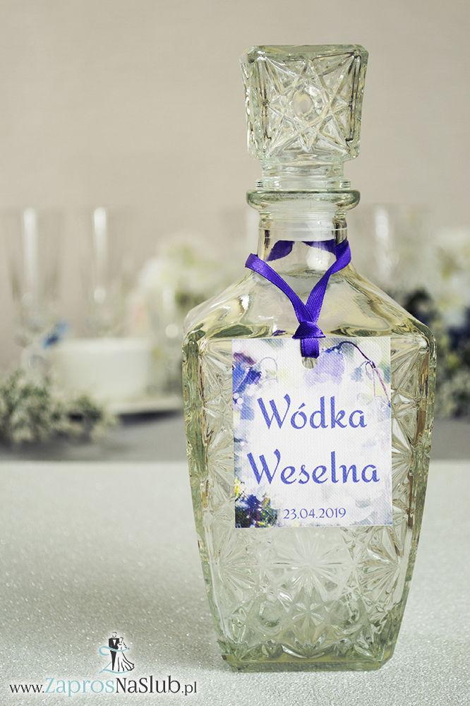 Naturalne zawieszki na alkohol z motywem dzwonka karpackiego oraz z fioletową wstążką - ZaprosNaSlub