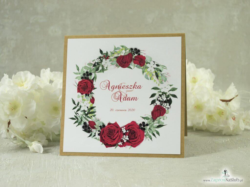 Kwiatowe Zaproszenie ślubne eko z przyklejanym motywem tekstowym z czerwonymi różami oraz białymi makami ZAP-38-01-min