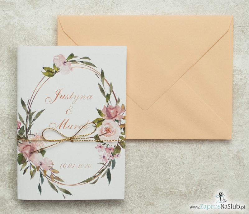 geometryczne-zaproszenia-ślubne-z-elipsą-różami-i-morelową-kopertą-oraz-złotym-sznurkiem-metalizowanym