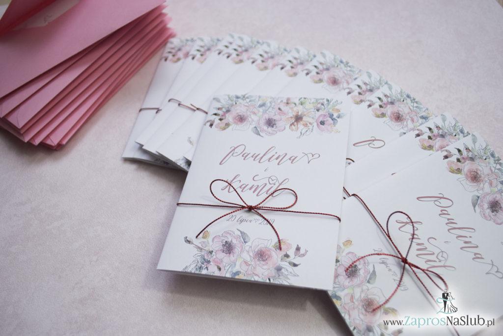 Modne zaproszenia ślubne kwiatowe. Kwiaty róż i ich kontury. Nowoczesna ozdobna czcionka. Sznurek metalizowany (4)