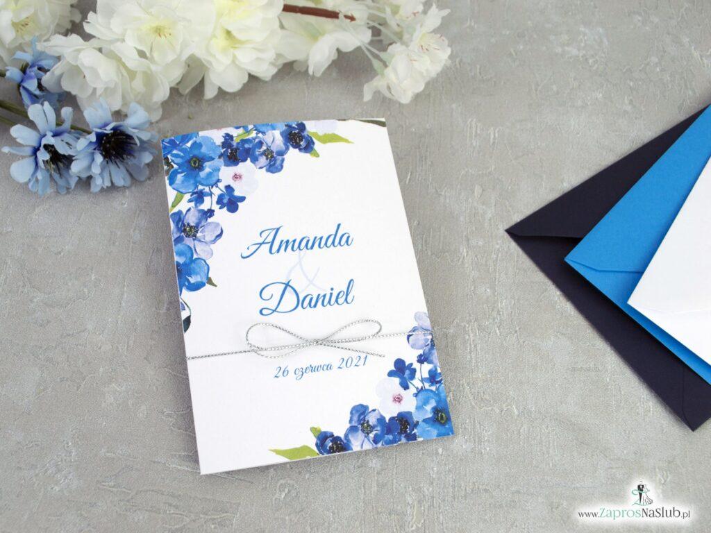 Zaproszenia ślubne niebieskie kwiatki, srebrny sznurek ZAP-35-04